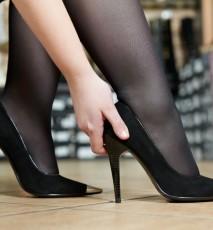 jak rozciągnąć za małe buty, jak rozciągnąć za ciasne buty, co robić gdy buty są za małe
