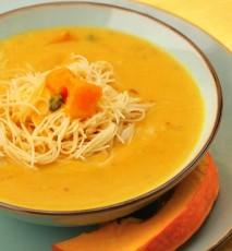 zupa dyniowa z makaronem, przepis na zupę dyniową z makaronem