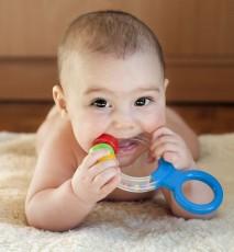 Zęby u niemowlaka - 7 rzeczy które najbardziej szkodzą