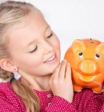 Jak nauczyć dziecko dobrego stosunku do pieniędzy