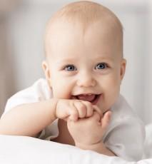 Dwunastomiesięczne niemowlę - co powinno umieć