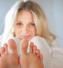 zabieg na stopy, zabieg wygładzający, zabieg nawilżający, wygładzanie stóp, nawilżanie stóp