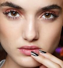 Jak dobrać kolor lakieru do kształtu paznokci
