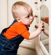 Zabezpieczanie domu przed dzieckiem - 15 rad jak to zrobić