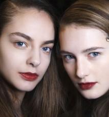 dwie młode dziewczyny