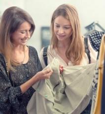 czy prać ubrania przed pierwszym założeniem, czy trzeba praćubrania po zakupie