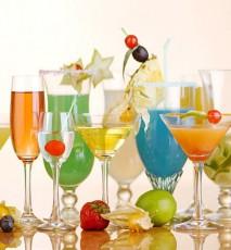 jak udekorować drinki, czym ozdobić drinki, czym udekorować szklanki, jak ozdobić kieliszki