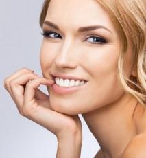 Mity o wybielaniu zębow