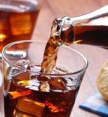 nietypowe zastosowania napojów gazowanych, do czego się przyda napój gazowany