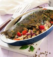 ryba pieczona z kaszą przepis, przepis na rybę zapiekaną z pieczarkami, pieczony lin przepis