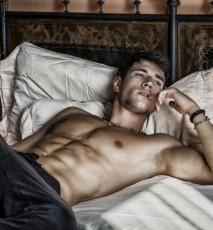 Czułe punkty męskie - 6 najwrażliwszych miejsc na dotyk