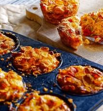 babeczki z płatków kukurydzianych przepis, babeczki na słono z serem i kukurydzą, muffiny z płatków