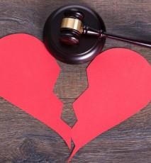 Jak napisać pozew rozwodowy - poradnik i niezbędne dokumenty