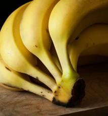 nietypowe zastosowania banana, do czego użyć skórki od banana, co zrobić ze skórką od banana