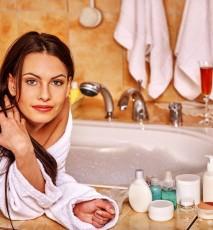 jak oszczędzaćwodę, jak oszczędzaćprzy kąpieli, jak zmniejszyć rachunki za wodę