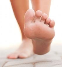 Jak usunąć kurzajkę na stopie