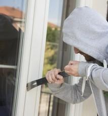 Jak zabezpieczyć dom przed złodziejem