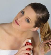 nietypowe zastosowania suchego szamponu, do czego używać suchego szamponu