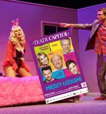 """Spektakl """"Między łóżkami"""" w Teatrze Capitol"""