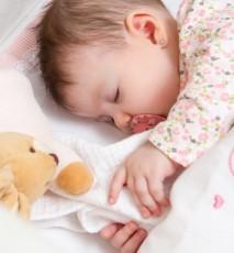 Sposoby na zdrowy sen niemowlęcia
