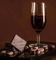 czekolada, wino, deser czekoladowy
