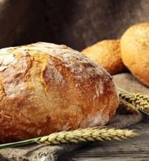 jak wykorzystać czerstwe pieczywo, co zrobić ze starym chlebem, co zrobić z czerstwego chleba