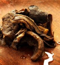 jak przechowywać suszone grzyby, jak suszyć grzyby, suszenie grzybów