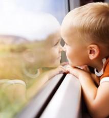 Jak podróżować pociągiem z małym dzieckiem