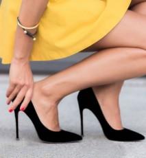 co zrobić żeby buty nie spadały, co zrobić żeby szpilki nie spadały, co robić gdy buty spadają