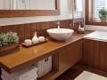 pomysły na schowki w małej łazience, schowki łazienkowe pomysły, jak oszczędzić miejsce w łazience