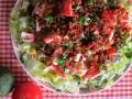 sałatka z awokado i boczkiem przepis, jak zrobić sałatkę z awokado i boczkiem, przepis na sałatkęz awokado