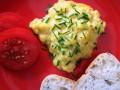 jajecznica na parze przepis, jak zrobić jajecznicęna parze, przepis na jajecznicę na parze