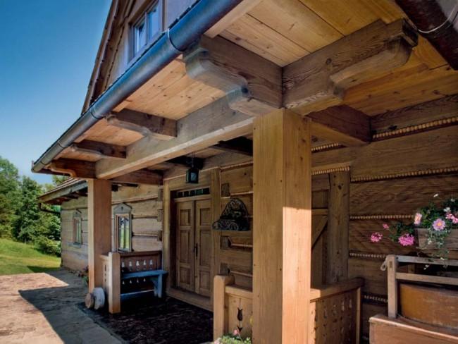 dom w góralskim stylu, drewniany dom wolno stojący