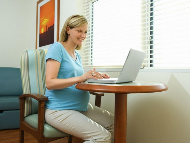 kobieta, ciąża, komputer