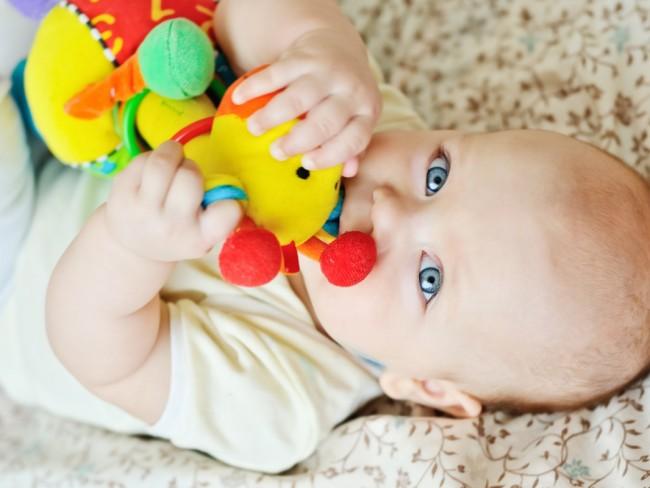 ślinienie u dziecka - przyczyny nadmiernej produkcji śliny