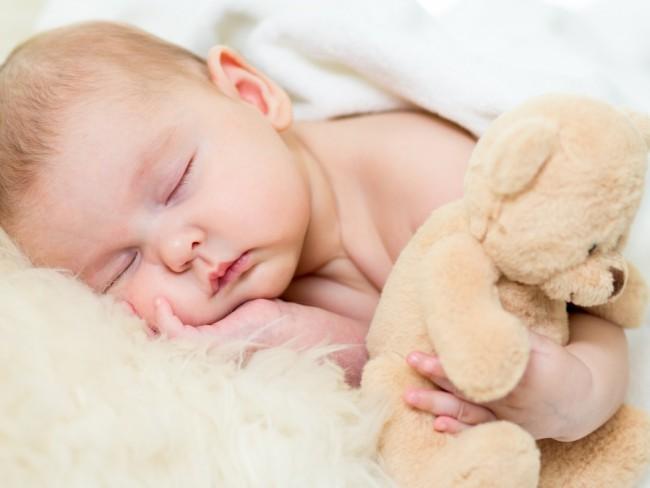 chrapanie u dziecka - przyczyny i zalecenia