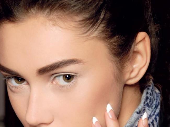 kobieta, modelka, makijaż, fryzury, tipsy, paznokcie