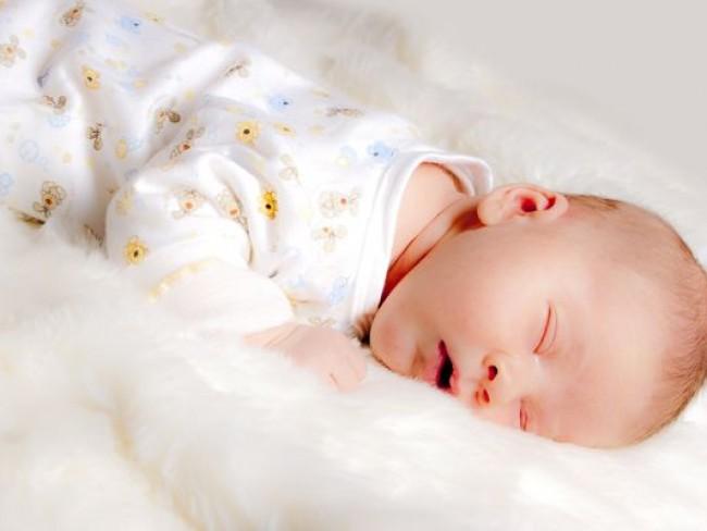 Pozycja dla snu niemowlaka