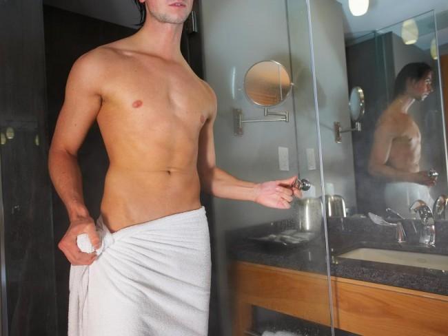 mężczyzna, ręcznik, prysznic
