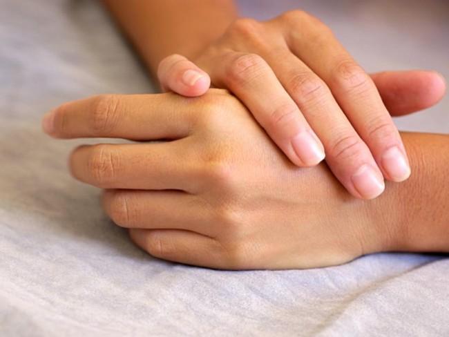 ręce, dłonie, paznokcie
