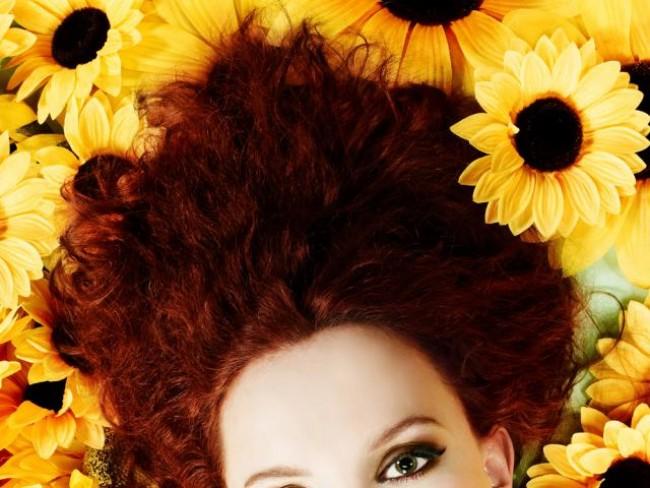 kobieta, modelka, włosy, fryzury, makijaż