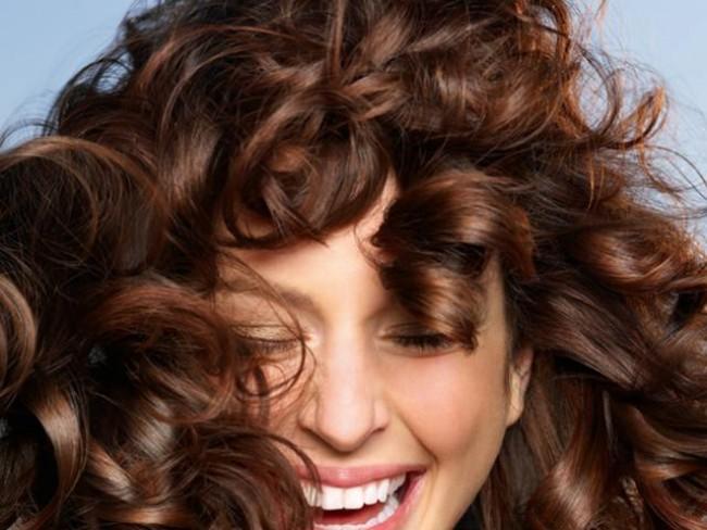 kobieta, modelka, fryzury, kręcone włosy
