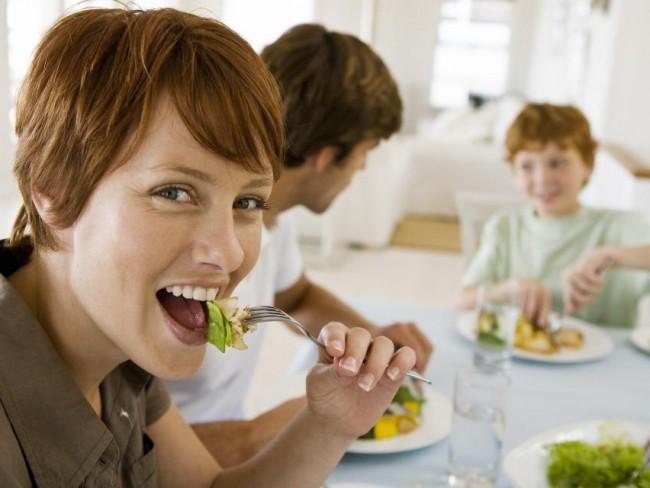kobieta, jedzenie