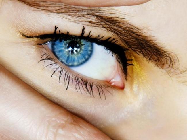 oko, paznokcie