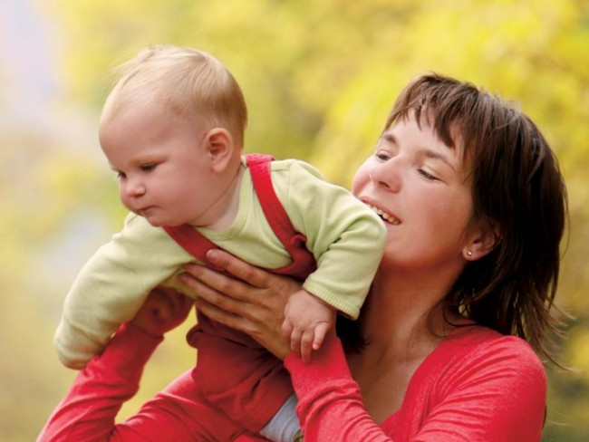 mama, dziecko, zasiłek rodzinny, dofinansowanie, porady prawne