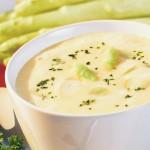 Delikatna zupa krem ze szparagów