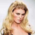 4 seksowne fryzury, które zrobisz prostownicą