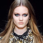 Modna fryzura: Przedziałek idealny