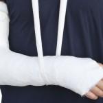 Odszkodowanie za złamaną rękę na chodniku
