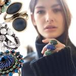 Kochamy błyskotki! Przegląd modnych pierścionków